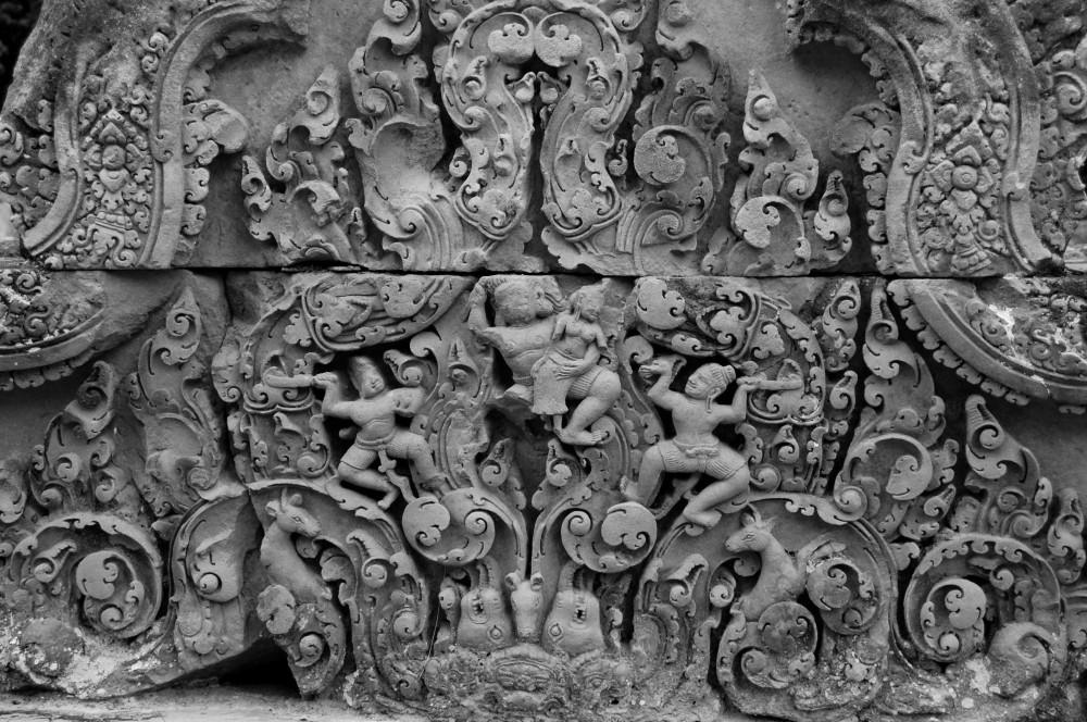 A common Banteay Srei bas-relief. Mind. Blown.